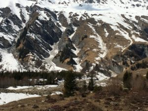 Felsrinnen mit Schnee