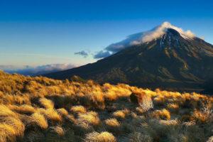 Steppenlandschaft mit Berg